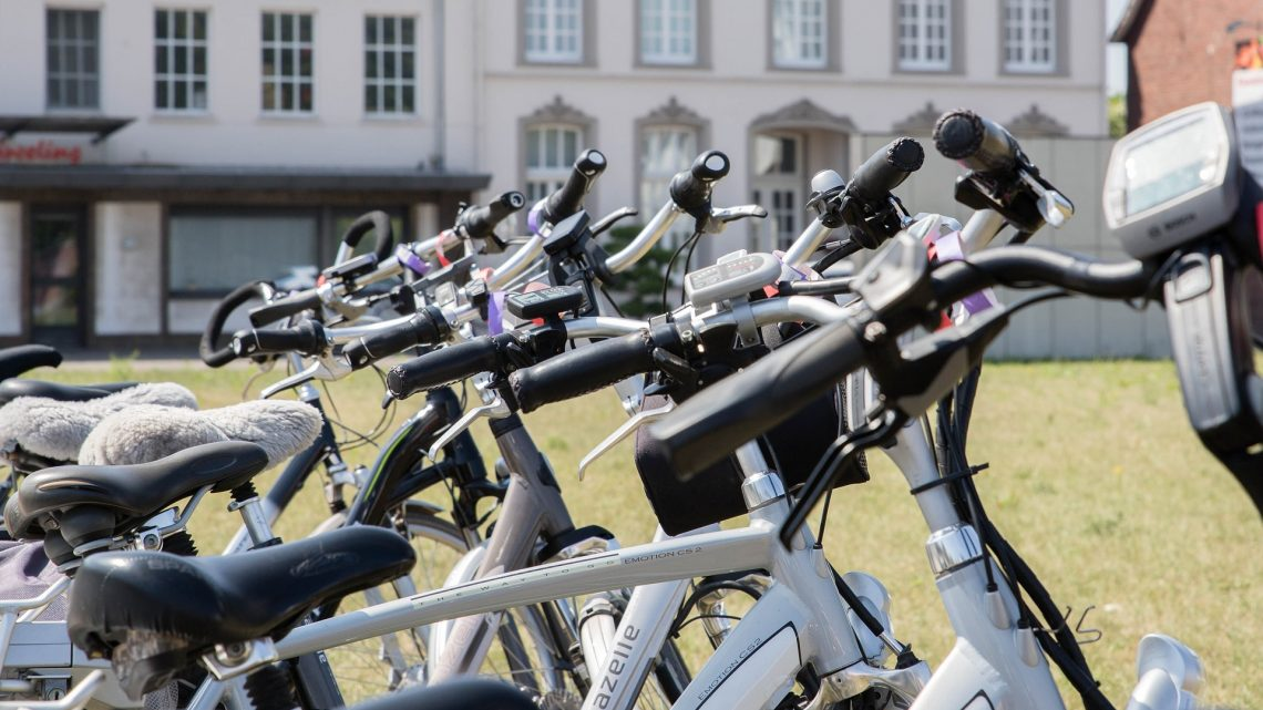 Comment préparer une randonnée en vélo électrique ?
