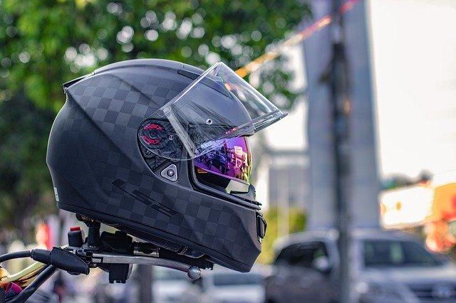 Découvrir les critères de choix d'un intercom moto