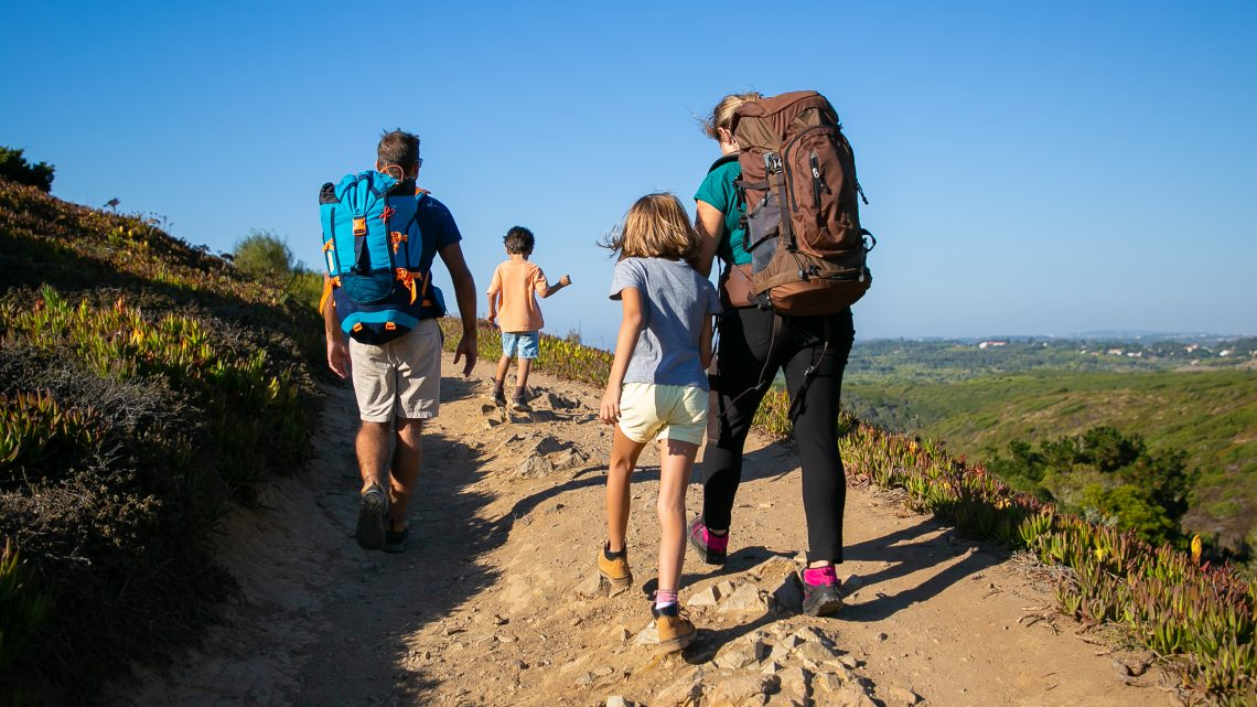 Randonnée en famille : quels équipements choisir pour vos enfants ?